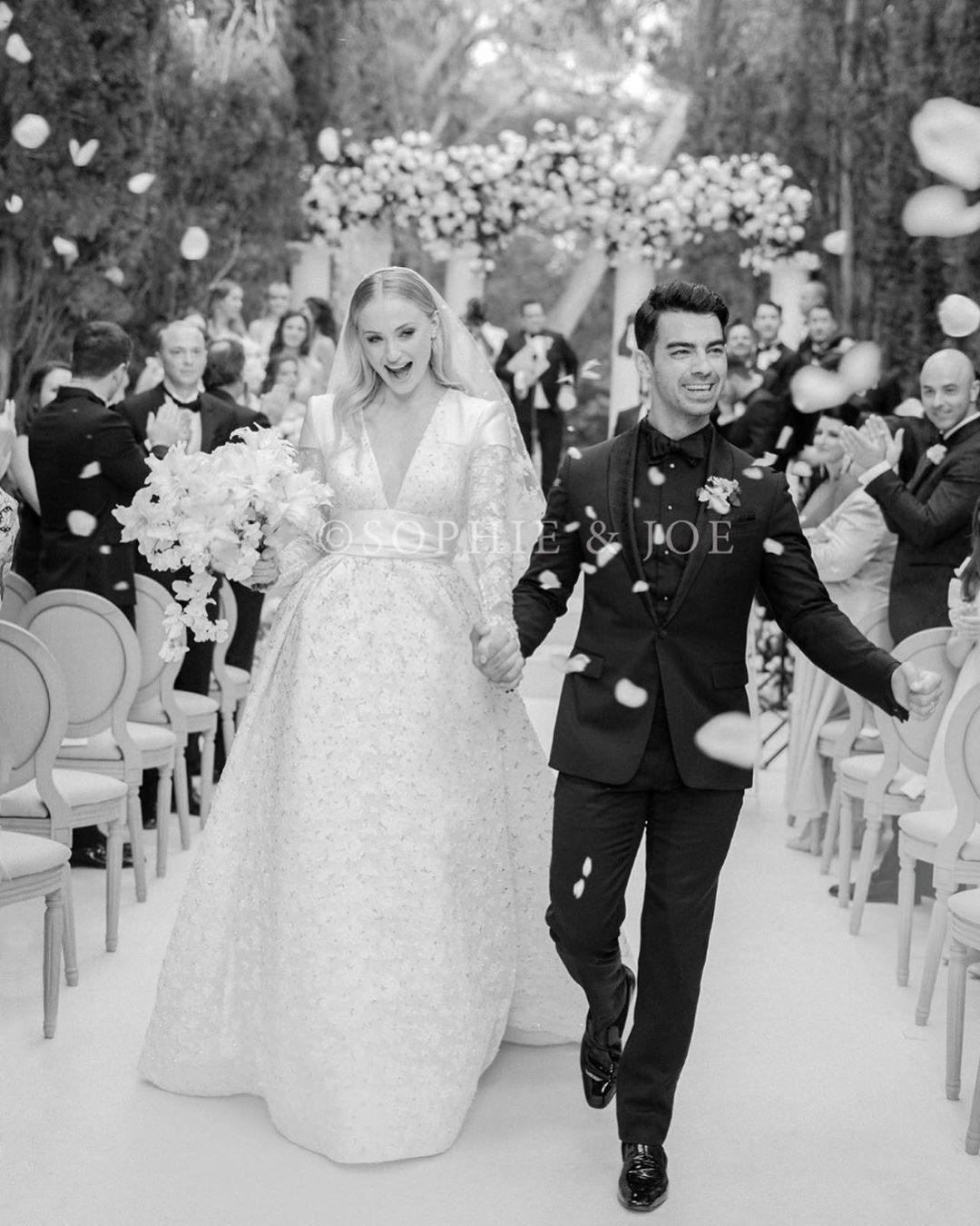 Софи Тернер показала фото со свадьбы с Джо Джонасом